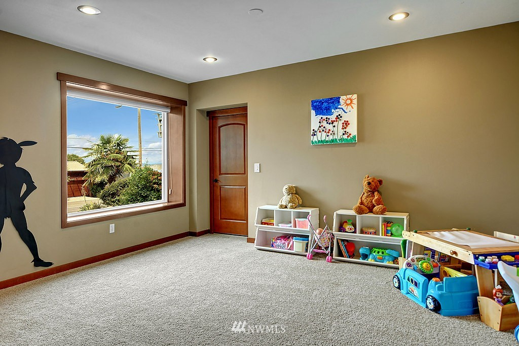 Sold Property | 5934 Beach Drive SW Seattle, WA 98136 12