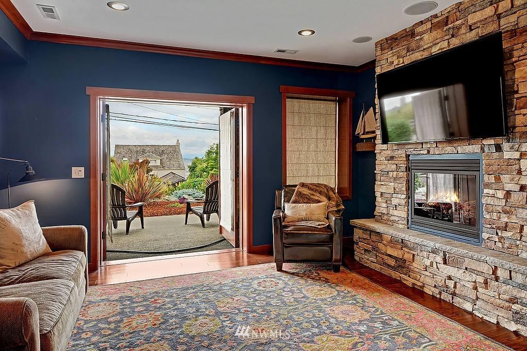 Sold Property | 5934 Beach Drive SW Seattle, WA 98136 8