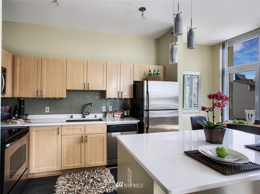 Sold Property | 2717 Western Avenue #9012 Seattle, WA 98121 5