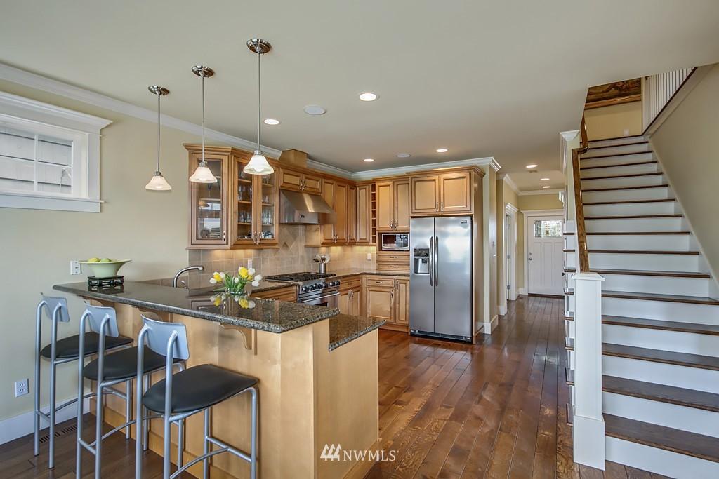 Sold Property   5223 S Hudson Street Seattle, WA 98118 4