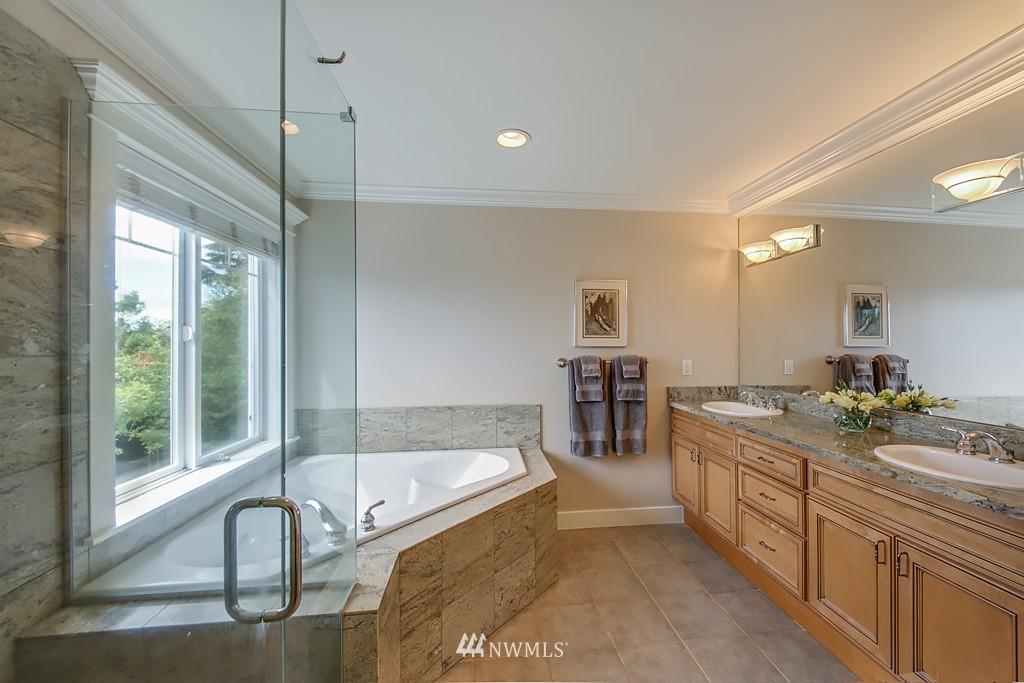 Sold Property   5223 S Hudson Street Seattle, WA 98118 13