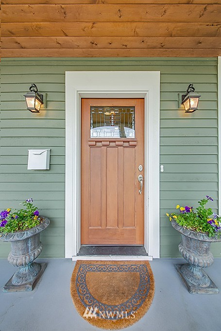 Sold Property   5223 S Hudson Street Seattle, WA 98118 2