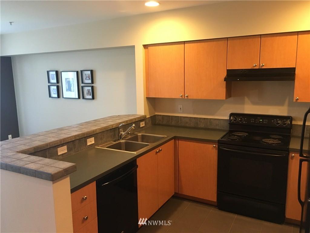 Sold Property   18 Dravus Street #203 Seattle, WA 98109 4