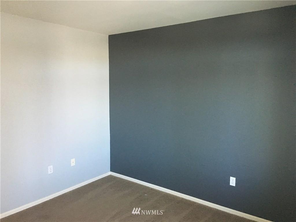 Sold Property   18 Dravus Street #203 Seattle, WA 98109 6