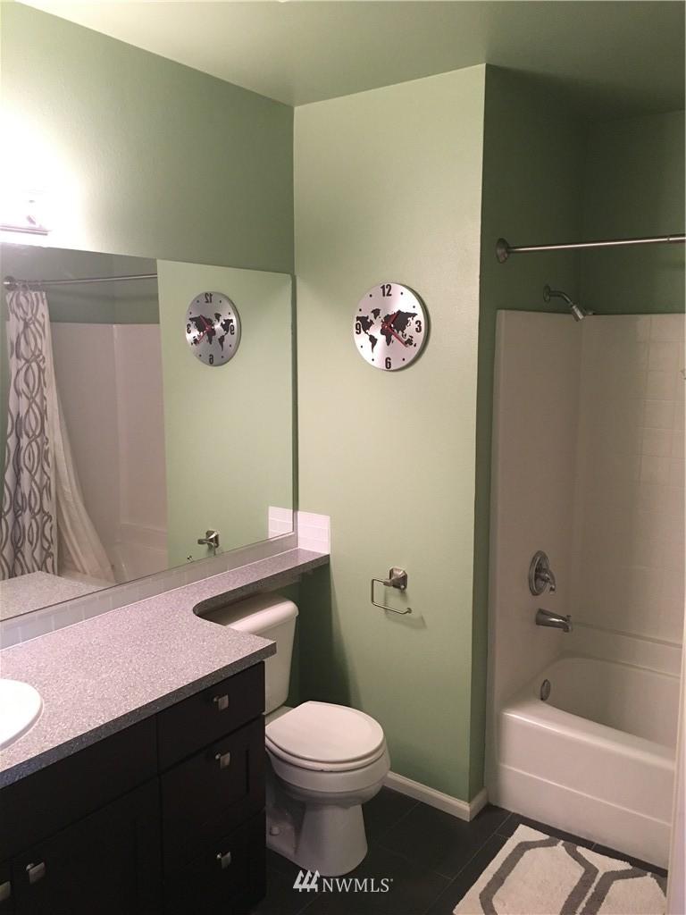Sold Property   18 Dravus Street #203 Seattle, WA 98109 10