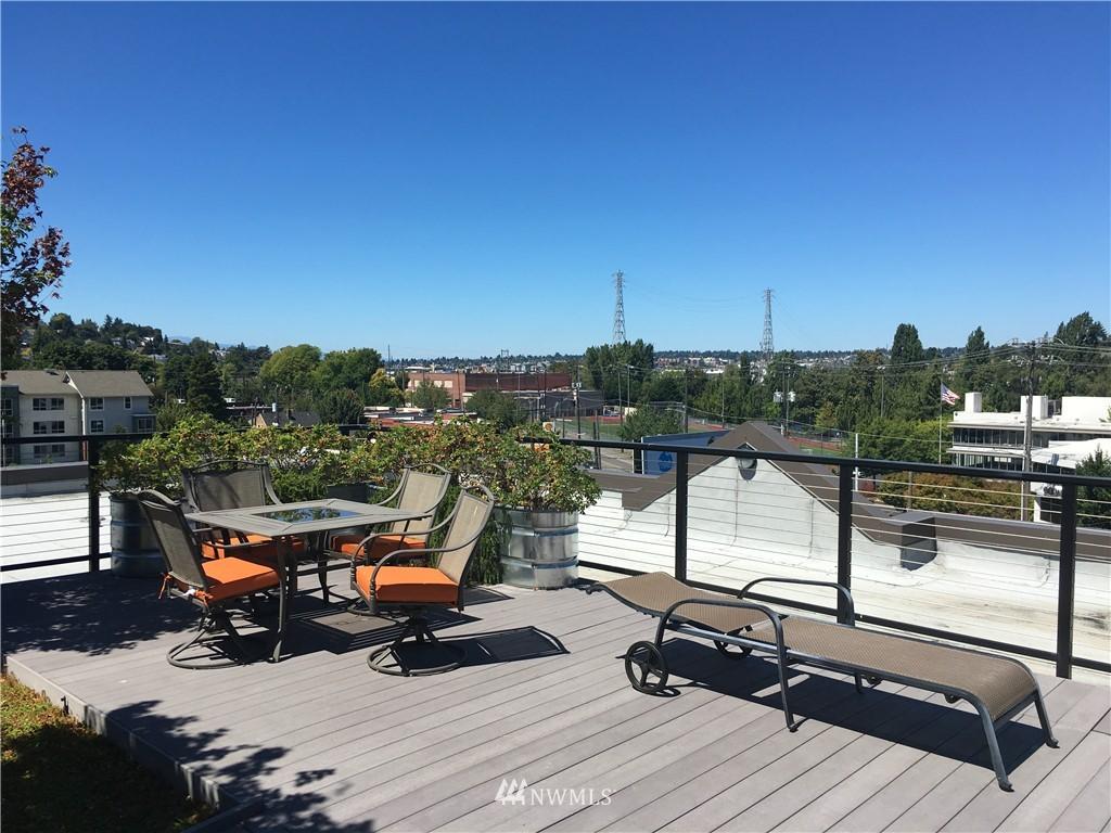 Sold Property   18 Dravus Street #203 Seattle, WA 98109 12
