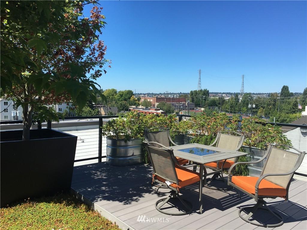 Sold Property   18 Dravus Street #203 Seattle, WA 98109 13