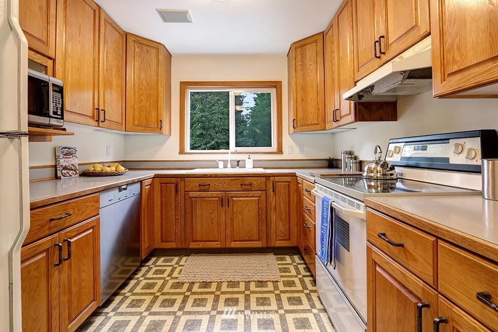 Sold Property | 1036 NE 102nd Street Seattle, WA 98125 5