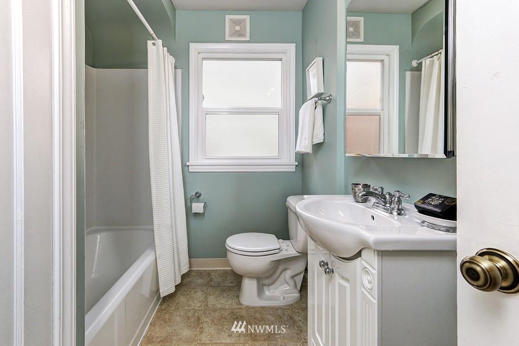 Sold Property | 1036 NE 102nd Street Seattle, WA 98125 9