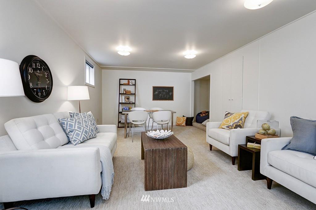 Sold Property | 1036 NE 102nd Street Seattle, WA 98125 10
