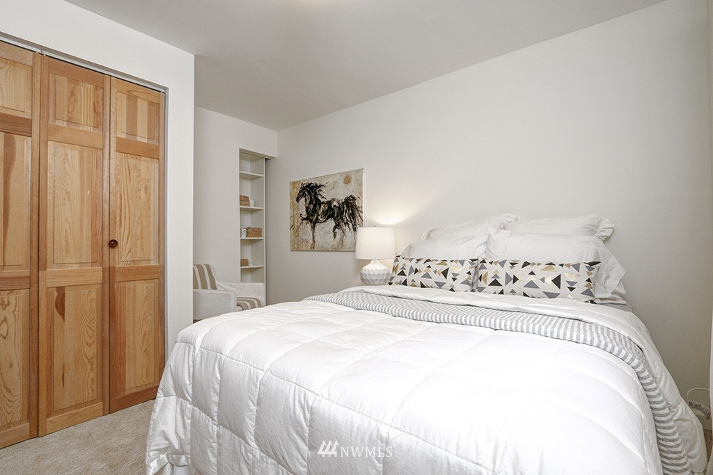 Sold Property | 1036 NE 102nd Street Seattle, WA 98125 12