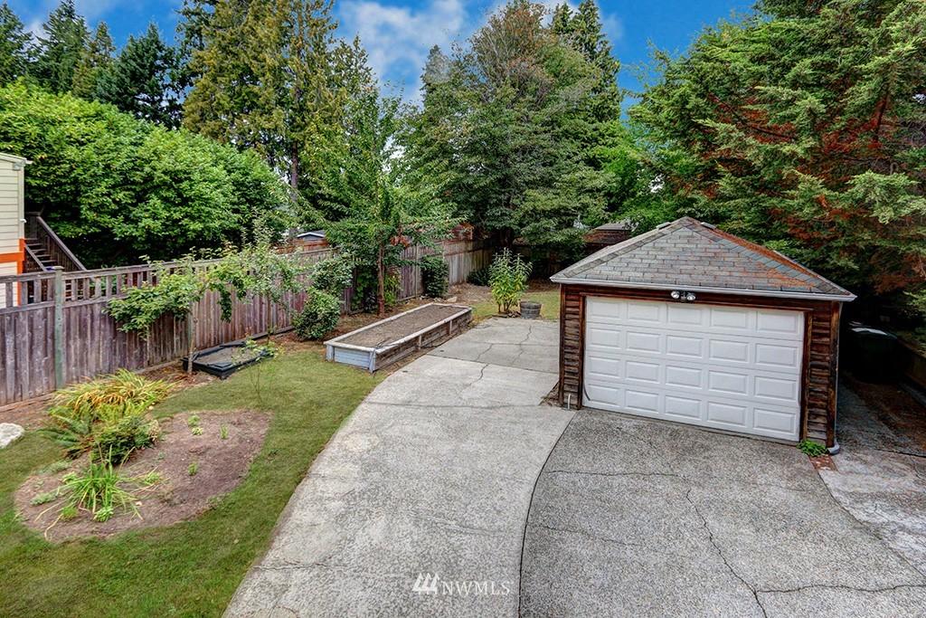 Sold Property | 1036 NE 102nd Street Seattle, WA 98125 16