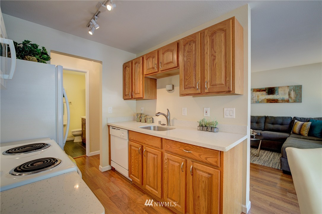 Sold Property | 6110 24th Avenue NW #106 Seattle, WA 98107 3