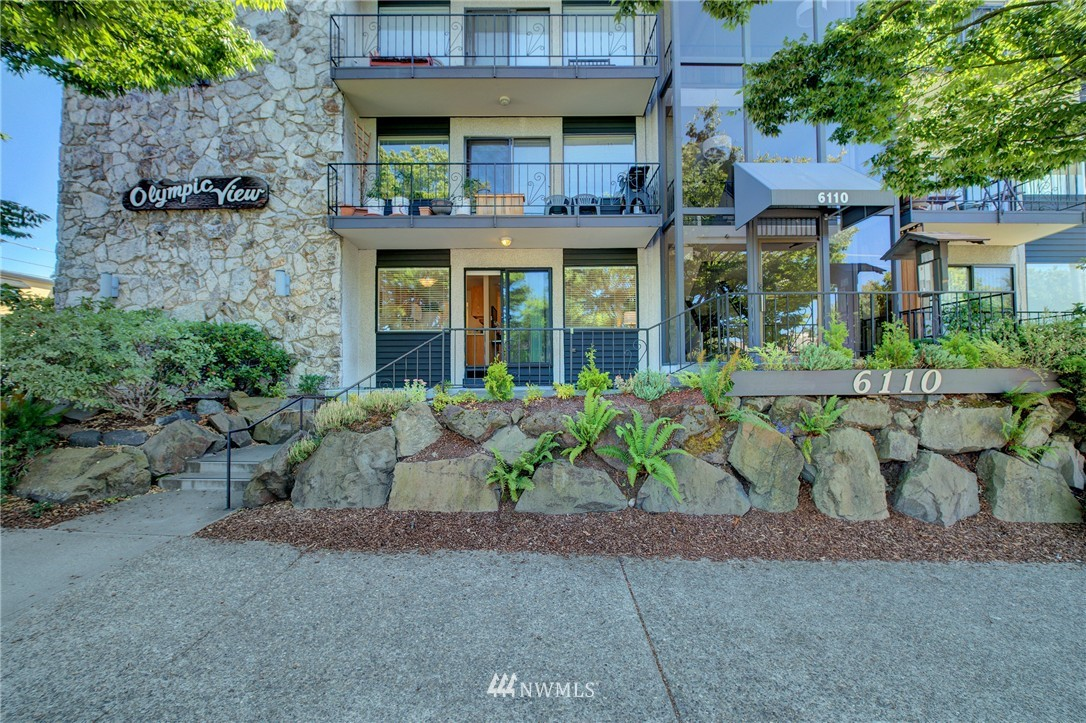Sold Property | 6110 24th Avenue NW #106 Seattle, WA 98107 17