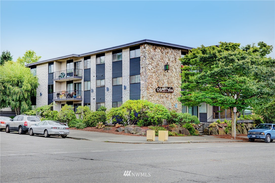 Sold Property | 6110 24th Avenue NW #106 Seattle, WA 98107 18