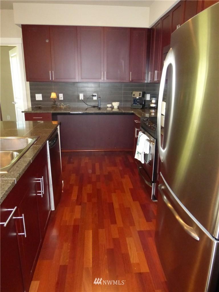 Sold Property | 190 Harbor Square Loop NE #C-230 Bainbridge Island, WA 98110 5