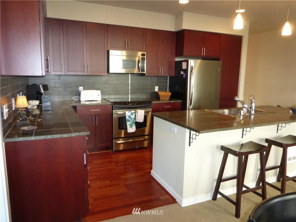 Sold Property | 190 Harbor Square Loop NE #C-230 Bainbridge Island, WA 98110 9