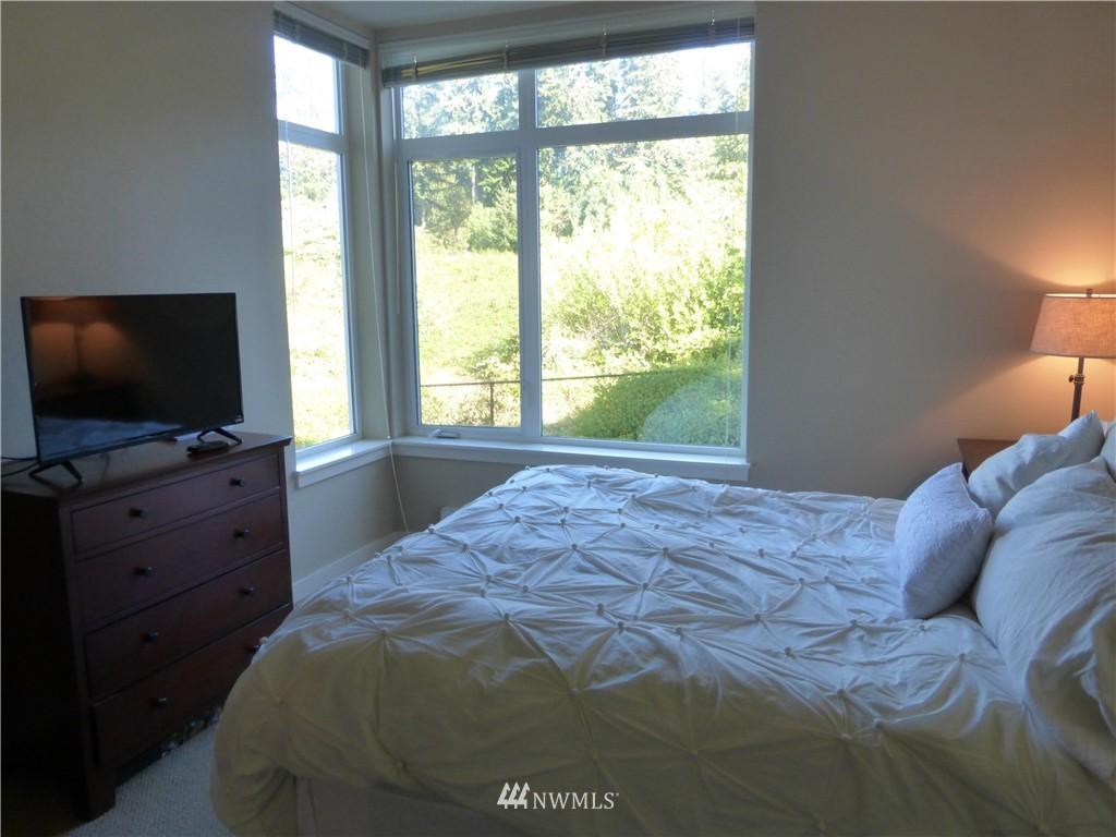 Sold Property | 190 Harbor Square Loop NE #C-230 Bainbridge Island, WA 98110 18