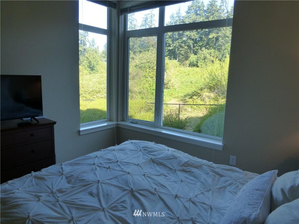 Sold Property | 190 Harbor Square Loop NE #C-230 Bainbridge Island, WA 98110 23