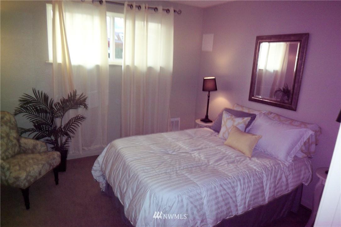 Sold Property | 5844 NE 75th Street #C105 Seattle, WA 98115 7