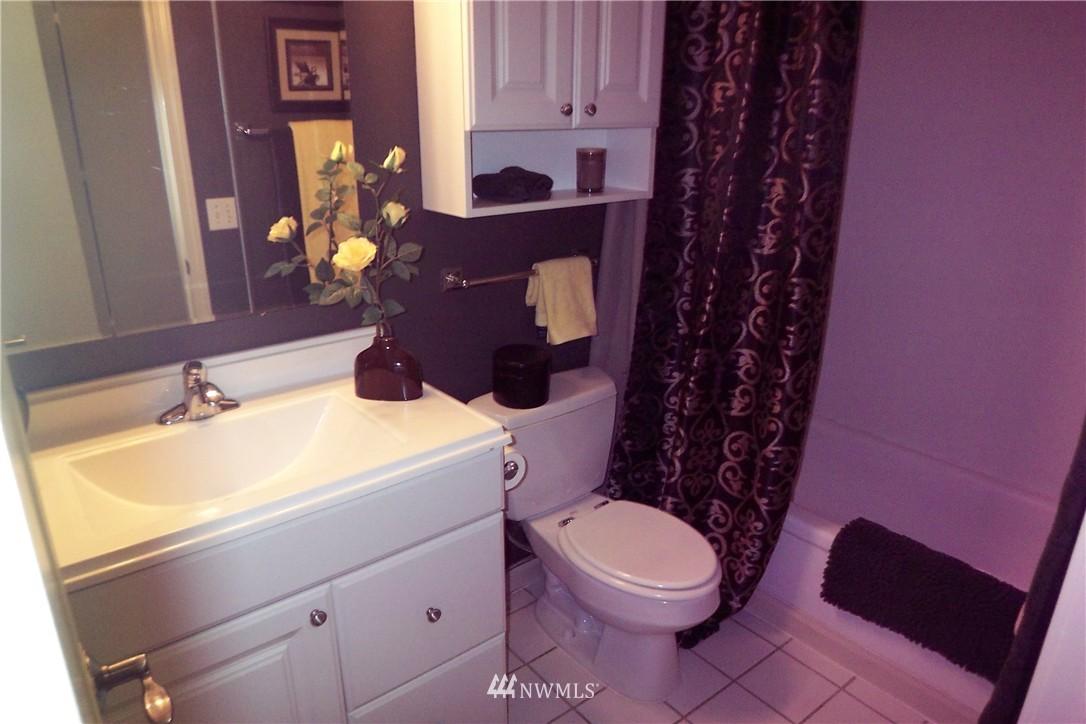 Sold Property | 5844 NE 75th Street #C105 Seattle, WA 98115 9