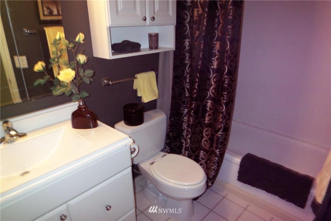 Sold Property | 5844 NE 75th Street #C105 Seattle, WA 98115 11