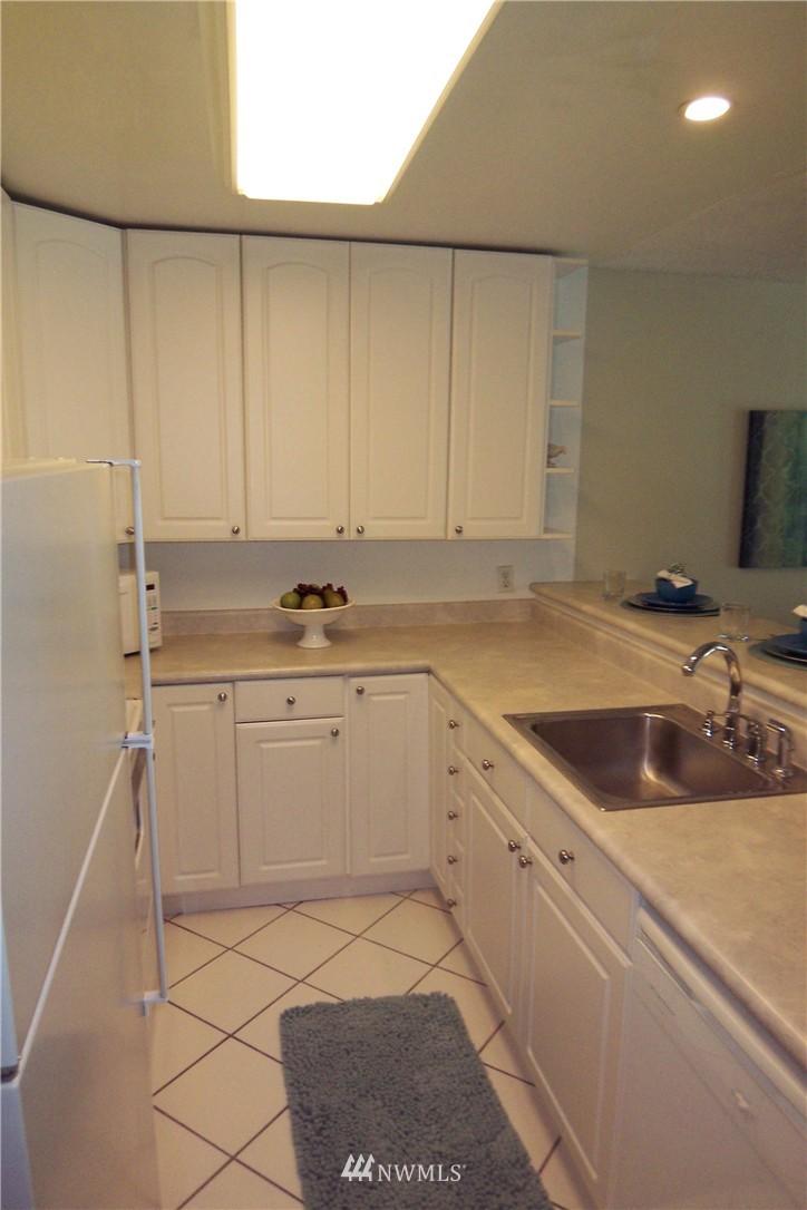 Sold Property | 5844 NE 75th Street #C105 Seattle, WA 98115 12