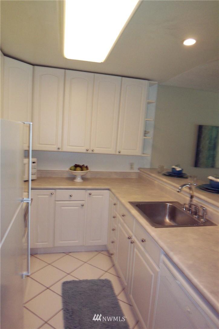 Sold Property | 5844 NE 75th Street #C105 Seattle, WA 98115 13