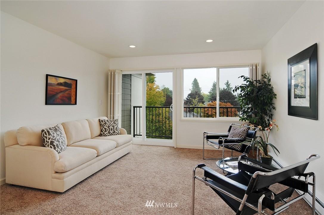 Sold Property | 11556 Greenwood Avenue N #304 Seattle, WA 98133 2