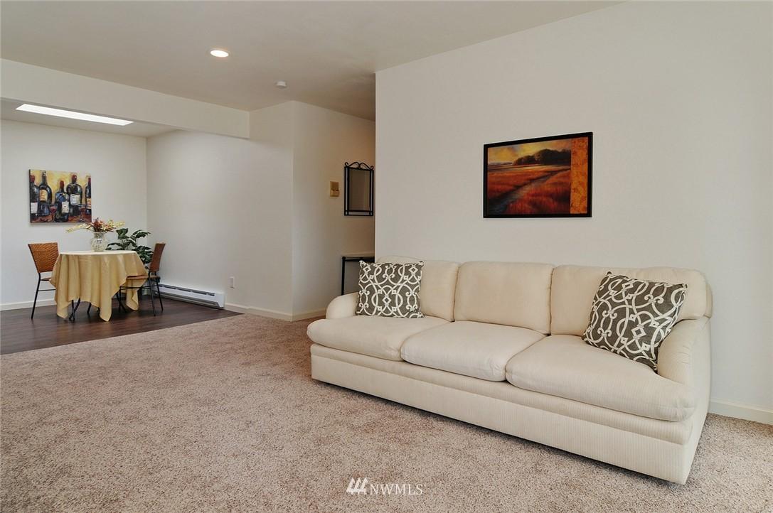 Sold Property | 11556 Greenwood Avenue N #304 Seattle, WA 98133 3