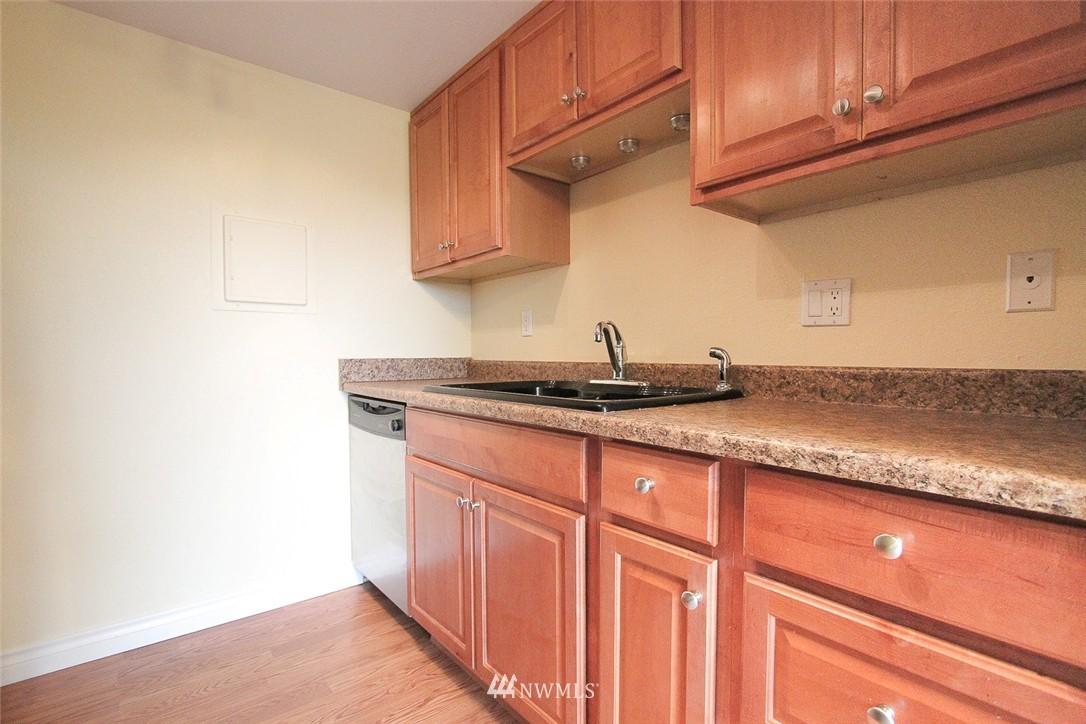Sold Property | 14510 124th Avenue NE #S14 Kirkland, WA 98034 5