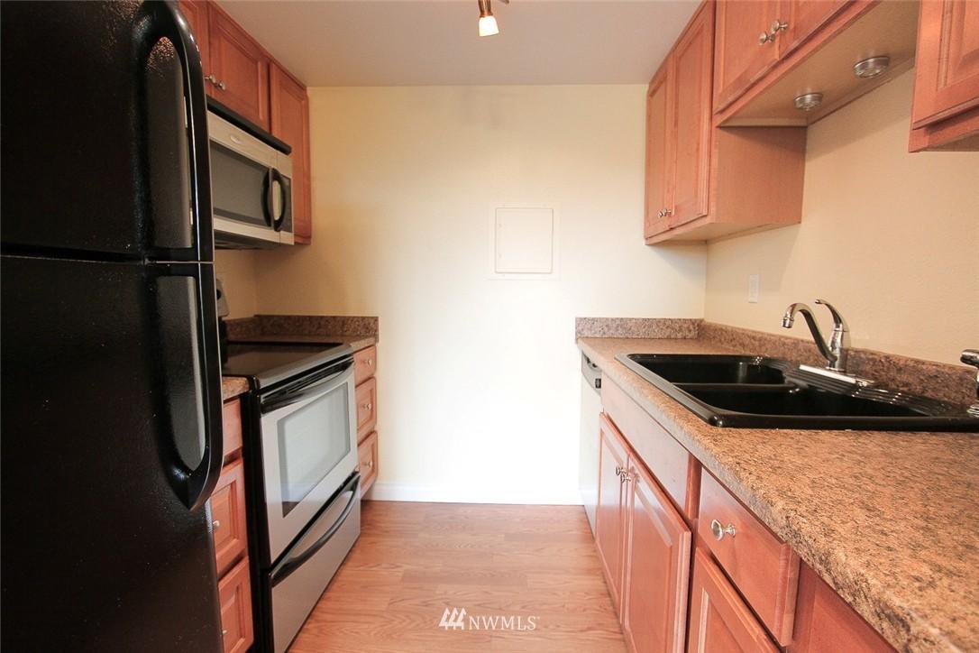 Sold Property | 14510 124th Avenue NE #S14 Kirkland, WA 98034 6