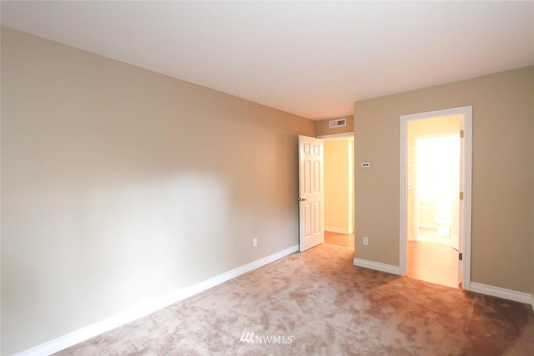 Sold Property | 14510 124th Avenue NE #S14 Kirkland, WA 98034 9