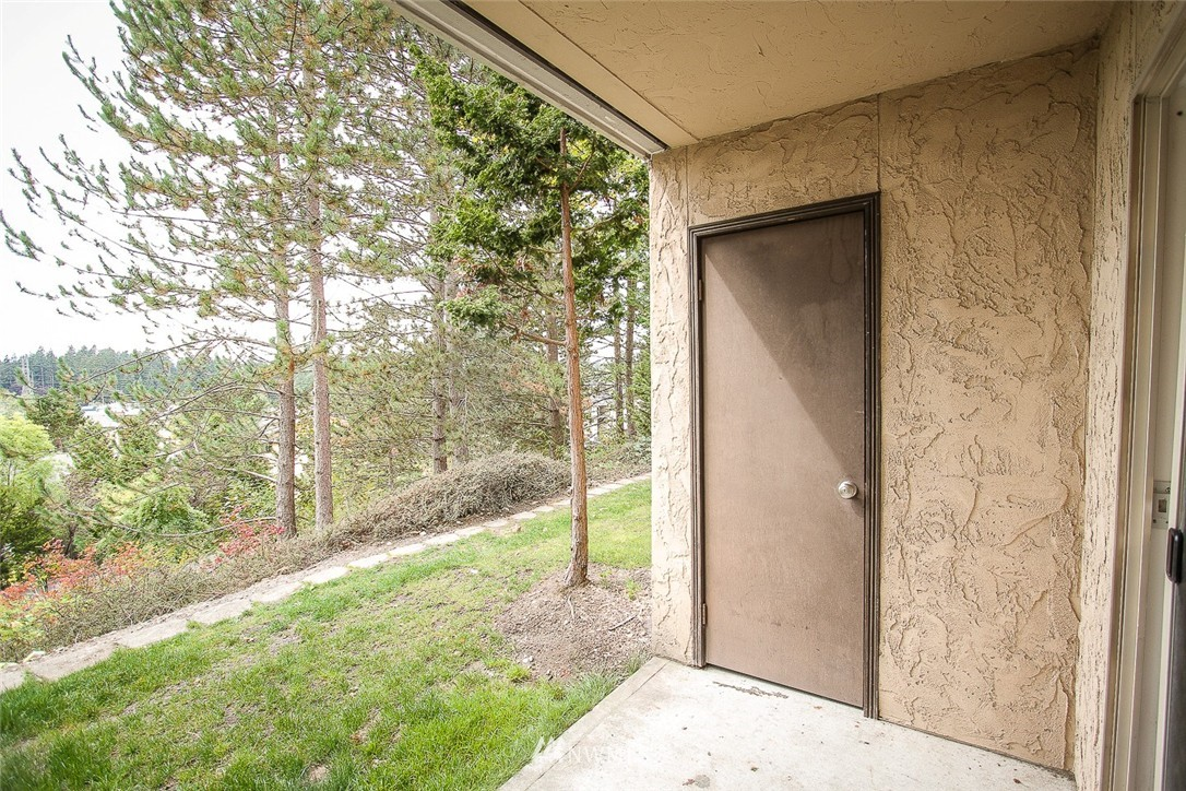 Sold Property | 14510 124th Avenue NE #S14 Kirkland, WA 98034 12