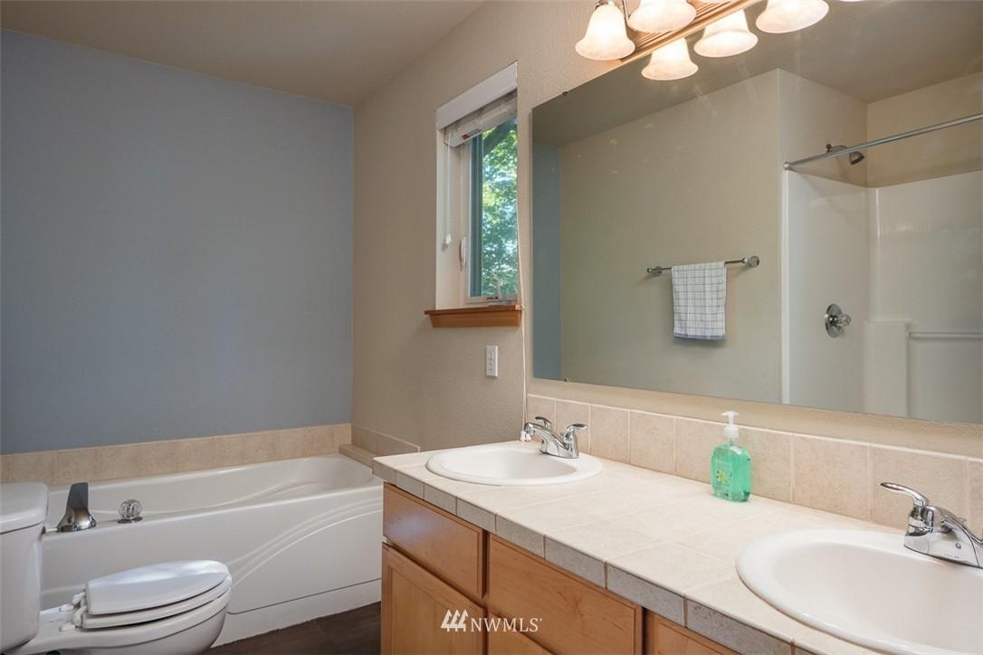 Sold Property | 11419 SE 171st Place Renton, WA 98055 19