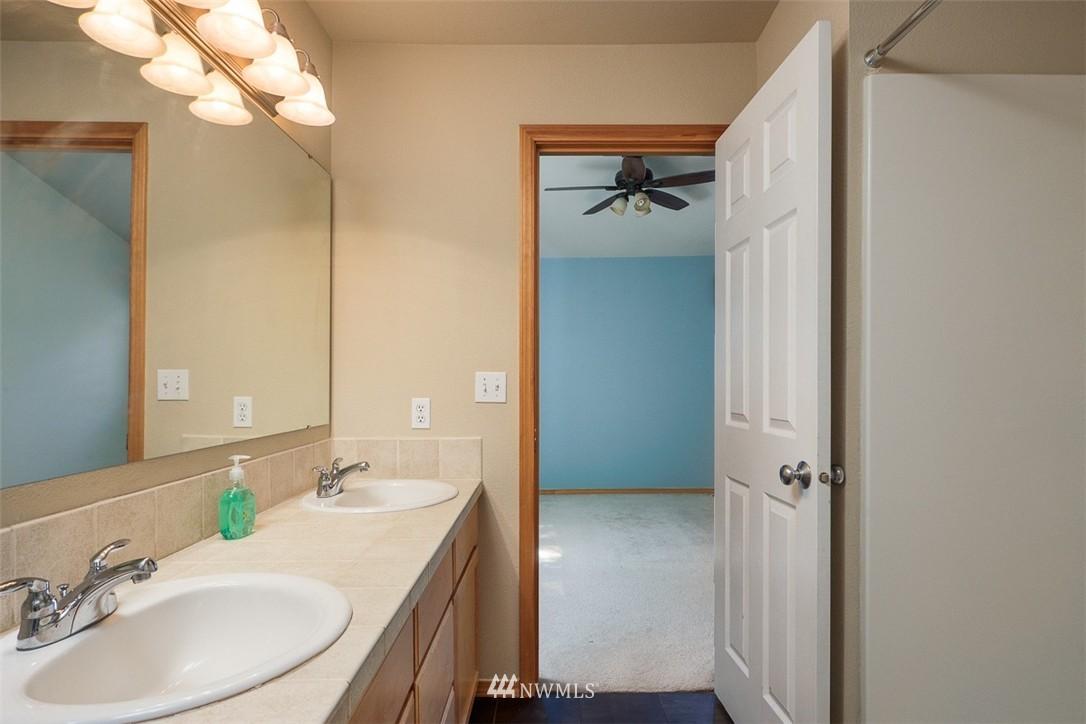 Sold Property | 11419 SE 171st Place Renton, WA 98055 20