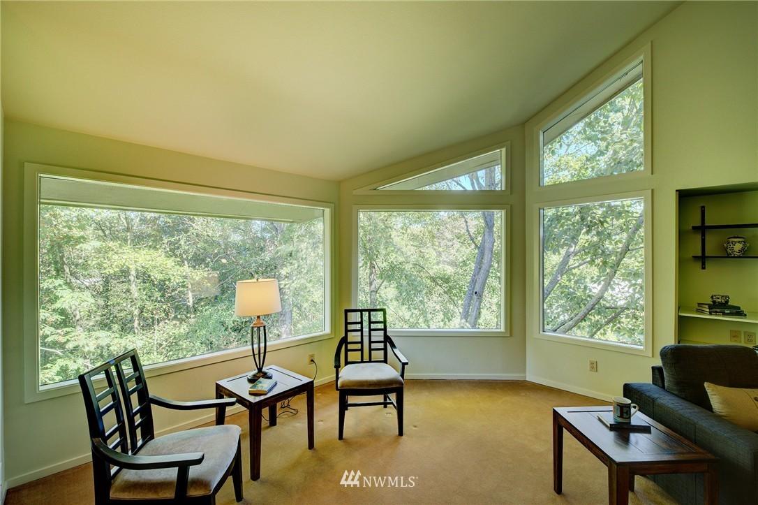 Sold Property | 2628 4th Avenue N #306 Seattle, WA 98109 10