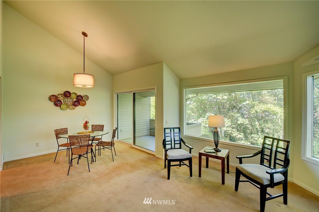 Sold Property | 2628 4th Avenue N #306 Seattle, WA 98109 9