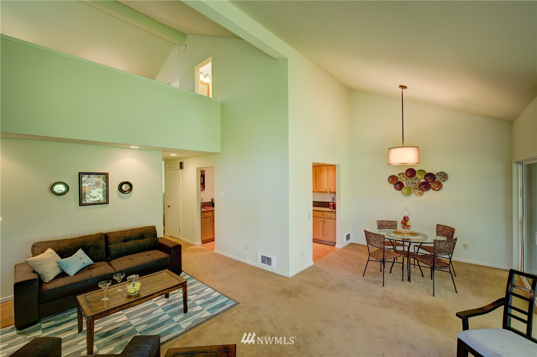 Sold Property | 2628 4th Avenue N #306 Seattle, WA 98109 7