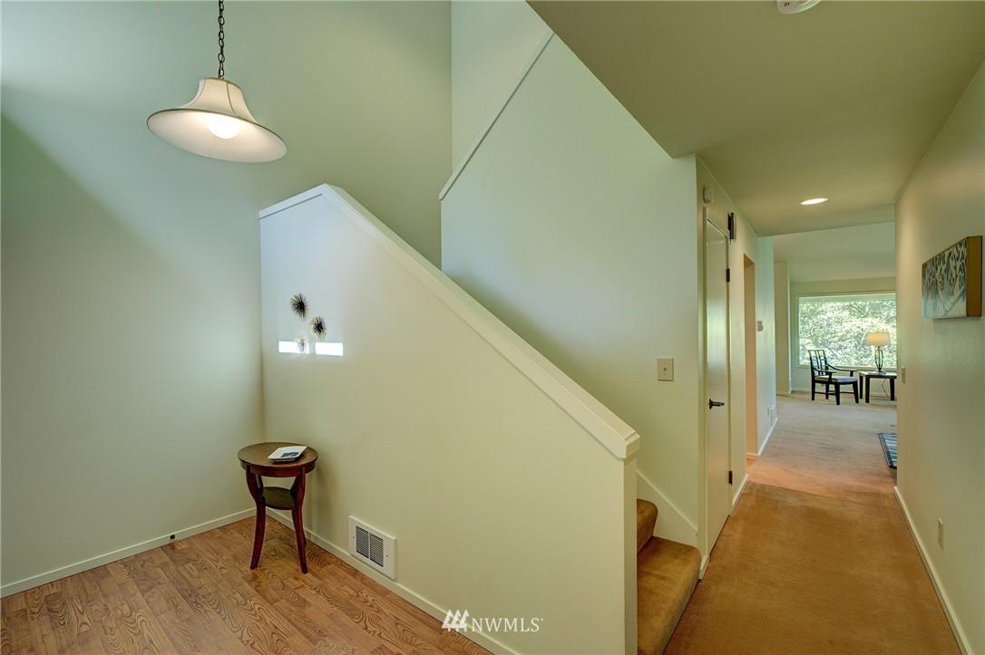 Sold Property | 2628 4th Avenue N #306 Seattle, WA 98109 16