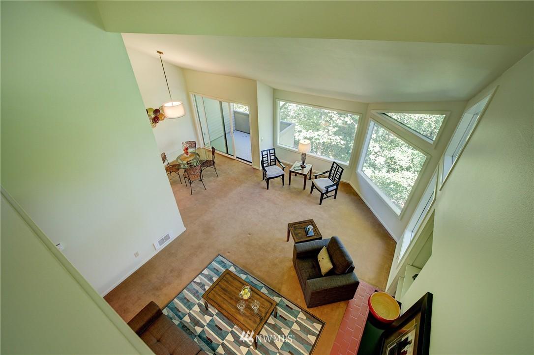 Sold Property | 2628 4th Avenue N #306 Seattle, WA 98109 21