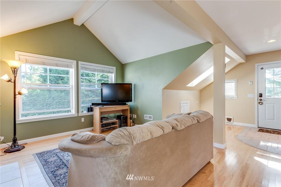 Sold Property | 17048 8th Avenue NE Shoreline, WA 98155 21