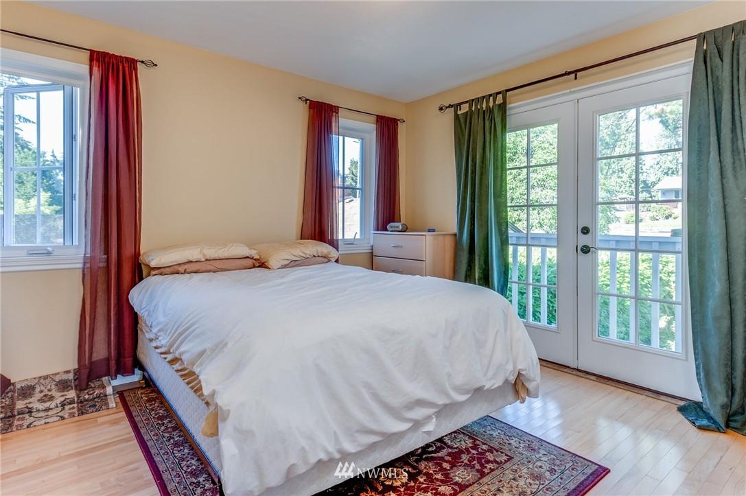 Sold Property | 17048 8th Avenue NE Shoreline, WA 98155 18