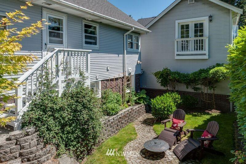 Sold Property | 17048 8th Avenue NE Shoreline, WA 98155 10