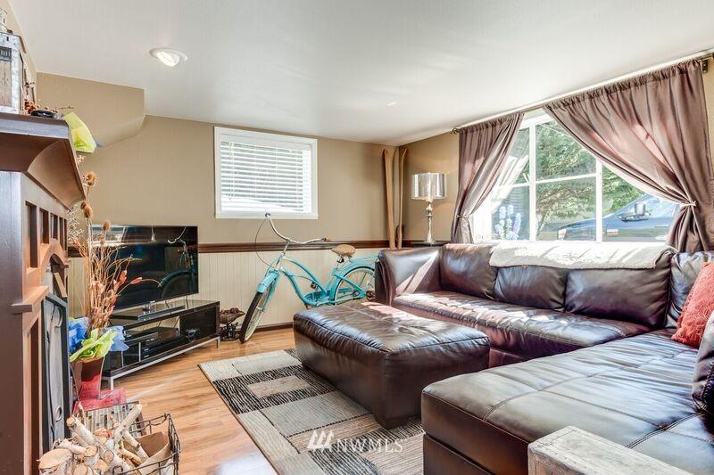 Sold Property | 17048 8th Avenue NE Shoreline, WA 98155 15