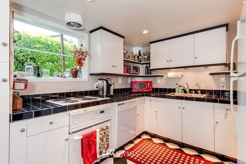 Sold Property | 17048 8th Avenue NE Shoreline, WA 98155 16