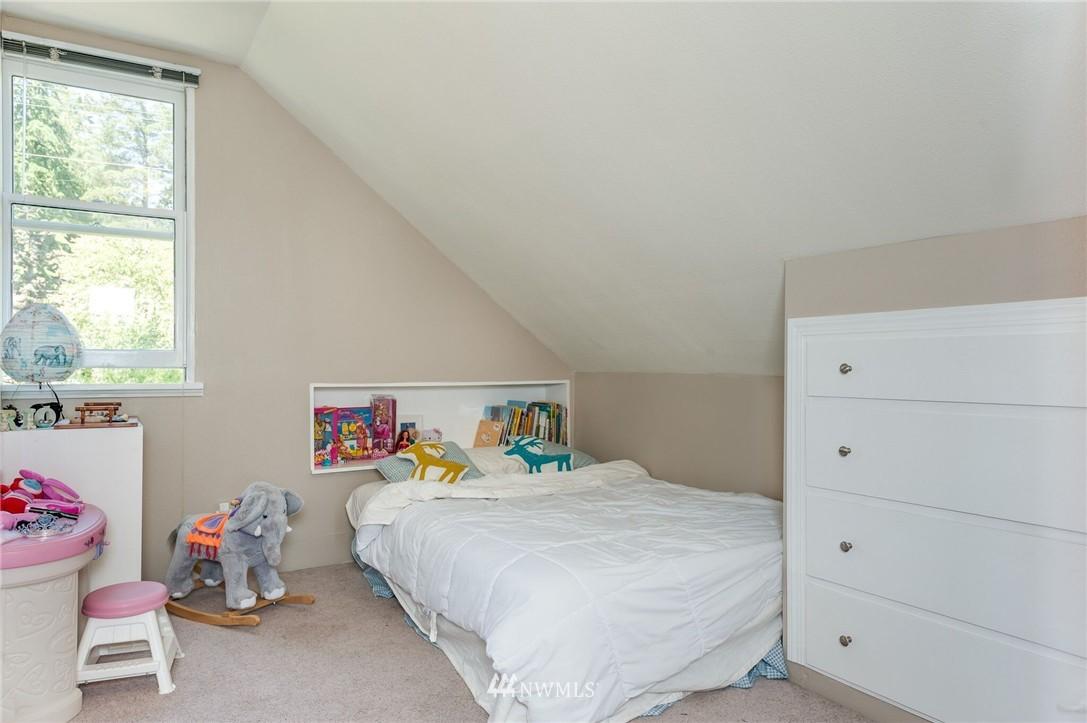 Sold Property | 17048 8th Avenue NE Shoreline, WA 98155 8