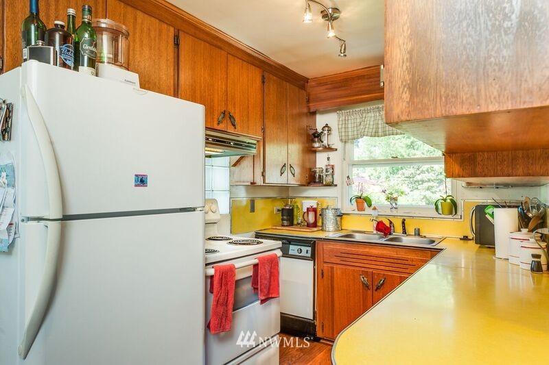 Sold Property | 17048 8th Avenue NE Shoreline, WA 98155 5