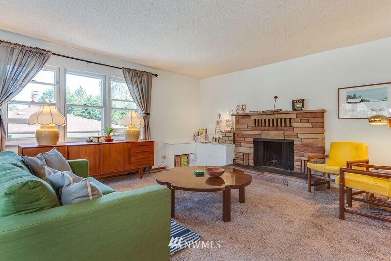 Sold Property | 17048 8th Avenue NE Shoreline, WA 98155 3