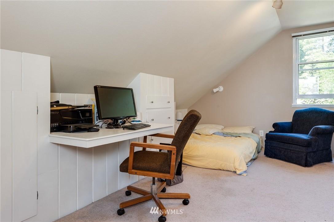 Sold Property | 17048 8th Avenue NE Shoreline, WA 98155 7